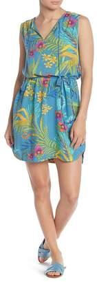 BeachLunchLounge Patterned Split Neck Dress