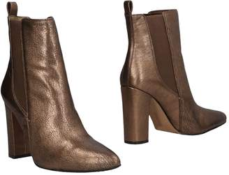 Vince Camuto Ankle boots - Item 11477861XD