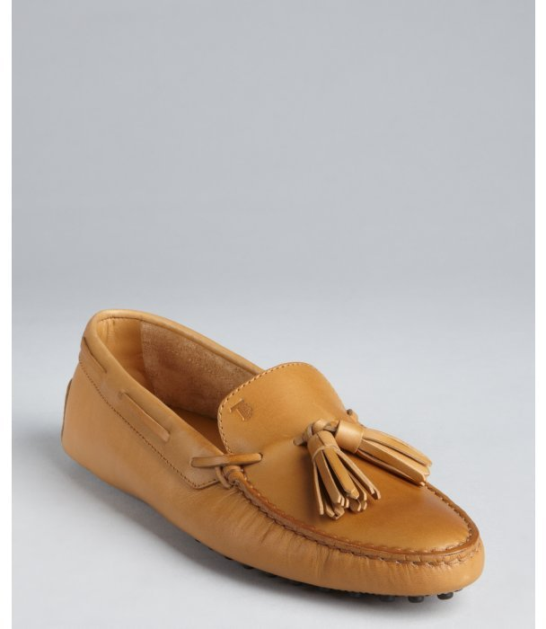 Tod's carmel leather tasseled boat-stitched loafers