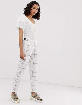 Only grid check tapered pants