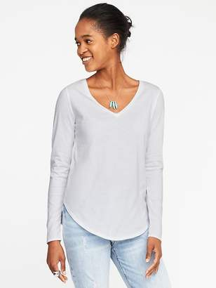 Old Navy EveryWear Curved-Hem V-Neck Tee for Women