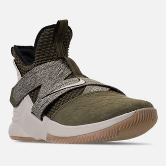 Nike Men's LeBron Soldier 12 Basketball Shoes