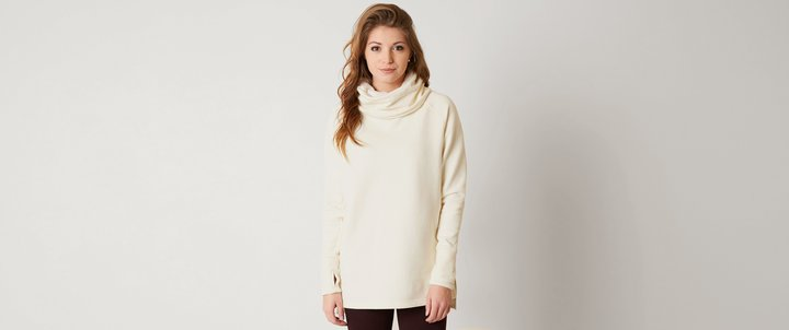 BenchBench Overhead Sweatshirt