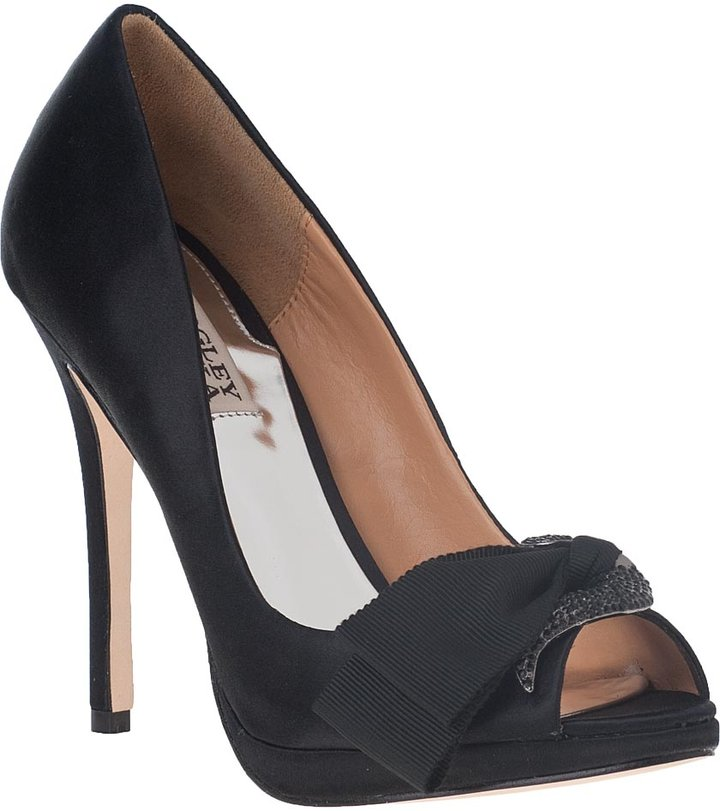 Badgley Mischka Gylda Evening Pump Black Satin