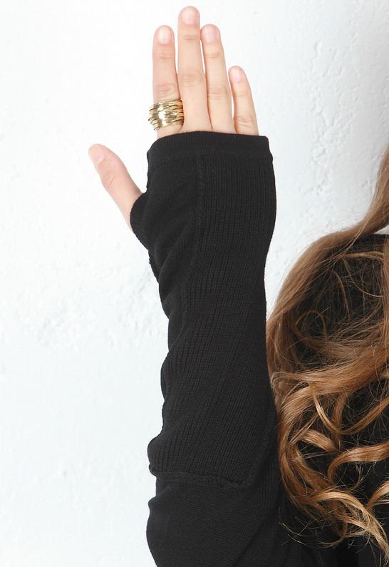 Feel The Piece Reverse Seam Sweater in Black