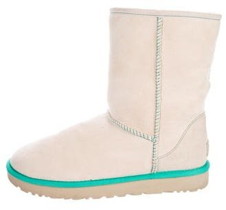UGG UGG Australia Suede Round-Toe Boots