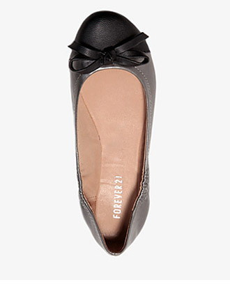 Forever 21 Contrast Bow Ballet Flats