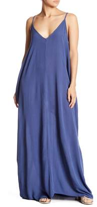 Love Stitch V-Neck Sleeveless Gauze Maxi Dress
