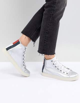 Tommy Jeans Leather High Top Sneaker With Flag Heel Detail
