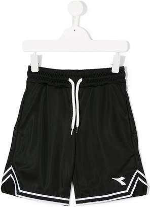 Diadora Junior logo basketball shorts