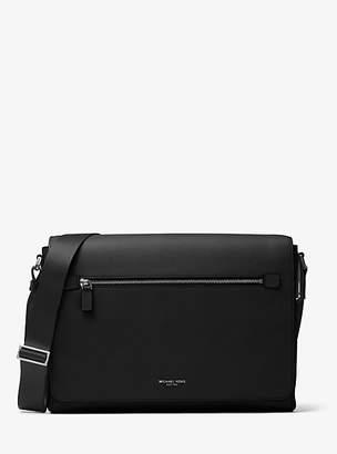 9f0b014cecf0a Michael Kors Messenger Bags For Men - ShopStyle UK