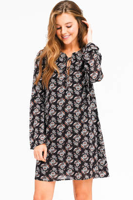 Montrez BELL SLEEVE LACE UP BOHO DRESS