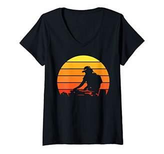 Jockey Womens Retro Vintage DJ Shirt Disc Shirt DJ gift Music Lover V-Neck T-Shirt