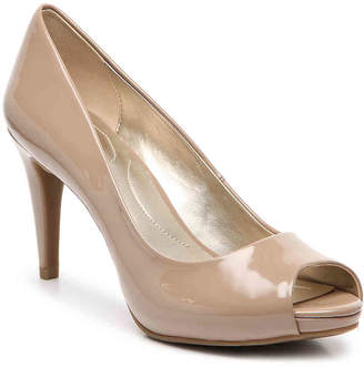 Bandolino Rainaa Pump - Women's