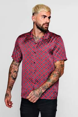 boohoo Tie Print Sateen Revere Short Sleeve Shirt