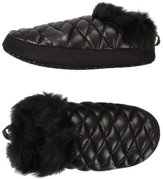 The North Face W TB TRACTION MULE FUR Slippers