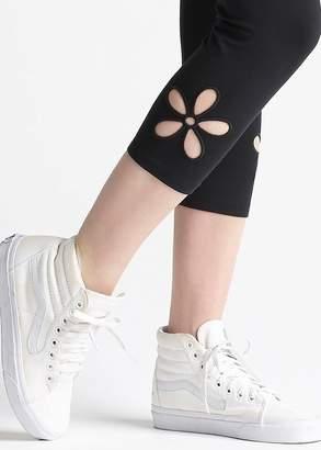 Yummie Skimmer Capri Legging with Floral Cutout Detail
