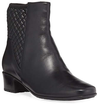 Sesto Meucci Yvet Quilted Leather Booties, Black