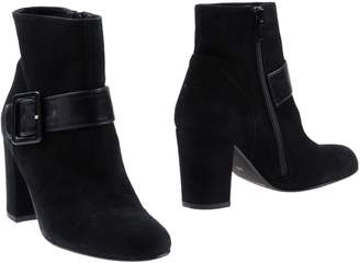 Studio Paloma Ankle boots