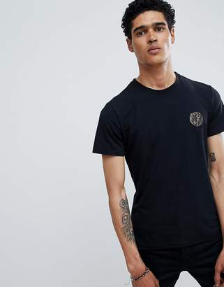Versace t-shirt in black with small logo