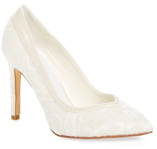 Women's Menbur Giovanna Pointy Toe Pump $142.95 thestylecure.com