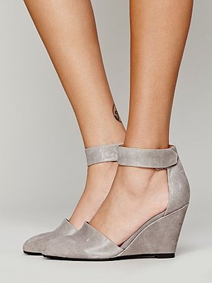 Peaks Point Wedge by Jeffrey Campbell $138 thestylecure.com