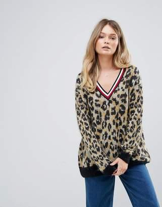Tommy Hilfiger (トミー ヒルフィガー) - Tommy Hilfiger Deep V Leopard Print Mohair Knit Sweater