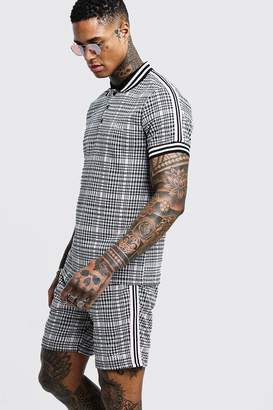 boohoo MAN Signature Check Polo & Short Set With Tape