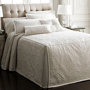 Royal Velvet Monument Bedspread 4