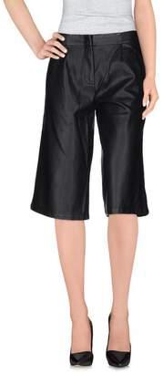 Minimum 3/4-length trousers