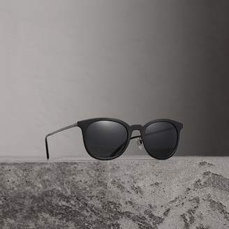 Burberry Round Frame Sunglasses, Black
