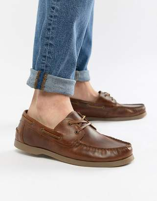 Asos Design DESIGN boat shoes in tan leather with gum sole
