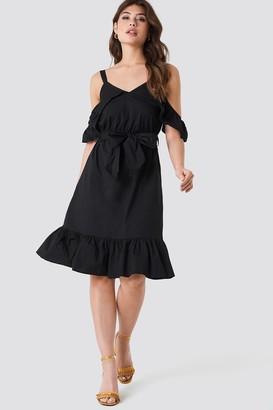 Trendyol Siyah Frill Sheer Dress