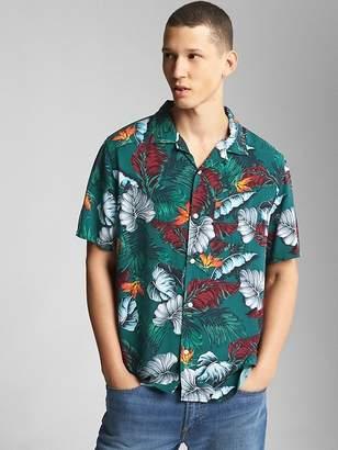 Standard Fit Tropical Print Short Sleeve Shirt