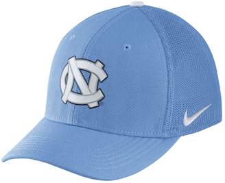 Nike Adult North Carolina Tar Heels Aerobill Flex-Fit Cap