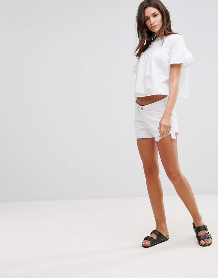 – Tyra – Abgeschnittene Shorts