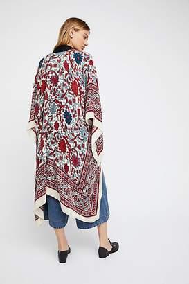 Magic Dance Border Print Kimono