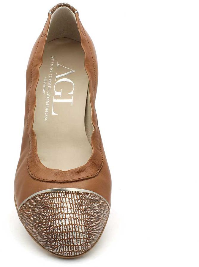 "Attilio Giusti Leombruni D106038"" Medium Brown Leather Diamond Low Wedge"
