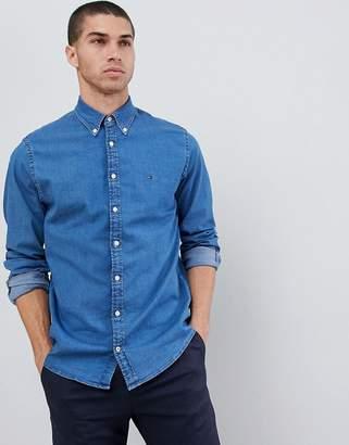 Tommy Hilfiger buttondown shirt regular fit flag logo in mid wash blue