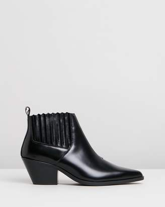 Atmos & Here Ordeal Leather Ankle Boots