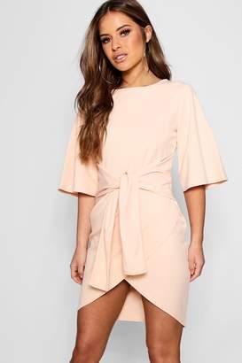 boohoo Petite Kimono Sleeve Tie Waist Wrap Dress