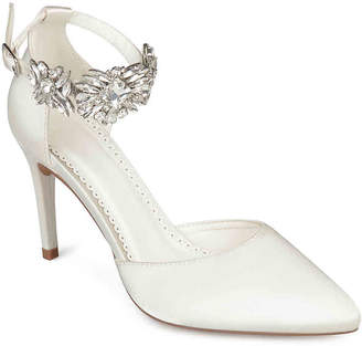 Journee Collection Loxley Pump - Women's