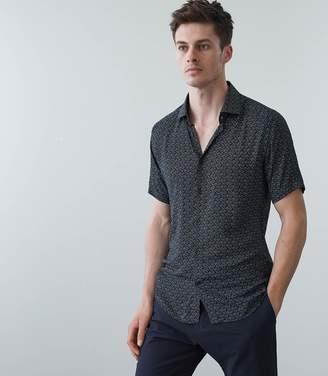 Reiss Jordie Micro Floral Print Short Sleeved Shirt