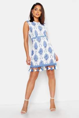 boohoo Tassle Hem Lace Shift Dress