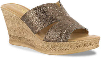 a295fc138765 Easy Street Shoes Tuscany Marsala Wedge Sandal - Women s