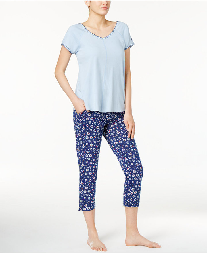 Tommy Hilfiger Tommy Hilfiger Stitch-Trimmed Top and Printed Capri Pants Knit Pajama Set
