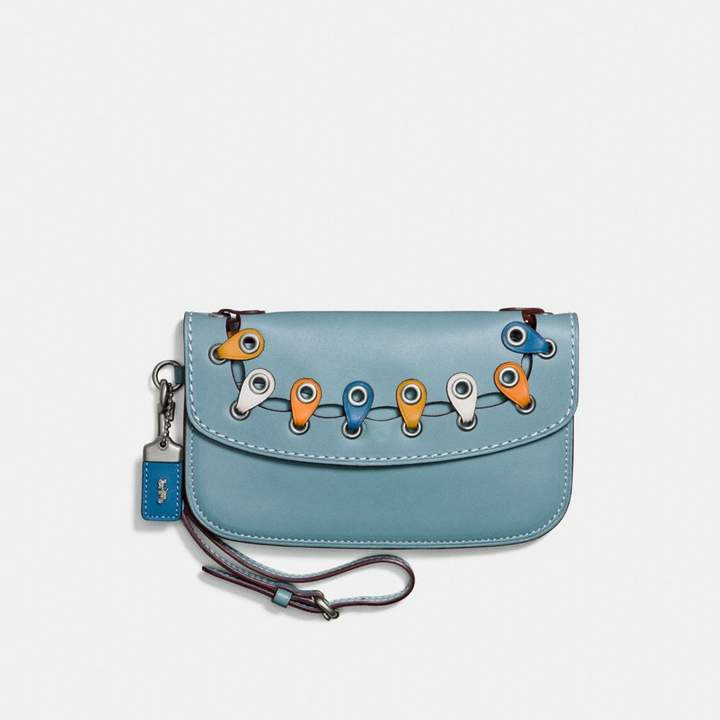 Coach New YorkCoach Clutch With Colorblock Link Detail - LIGHT ANTIQUE NICKEL/STEEL BLUE MULTI - STYLE