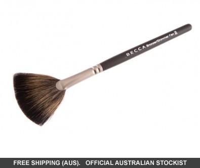 Becca Bronzer/Shimmer Fan Brush #39