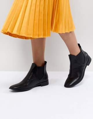 Raid RAID Alarna Black Flat Chelsea Boots