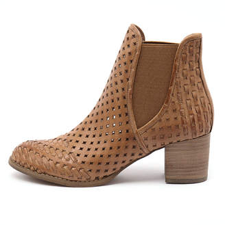 Django & Juliette Senka Dark tan Shoes Womens Shoes Casual Heeled Shoes